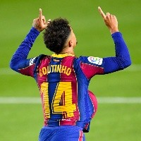 Barcelona define futuro de Coutinho para a temporada